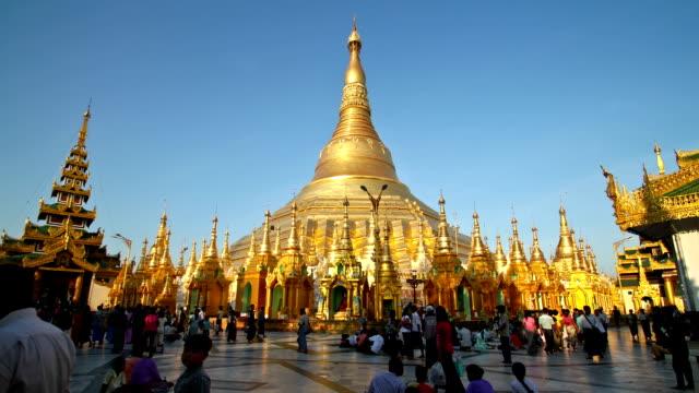 Shwedagon Pagoda, time lape