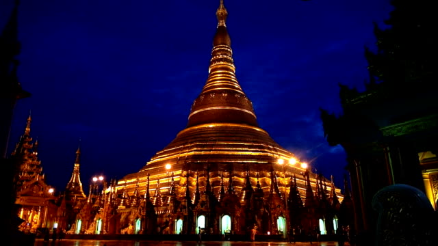 shwedagon pagoda - yangon, myanmar - theravada stock videos & royalty-free footage