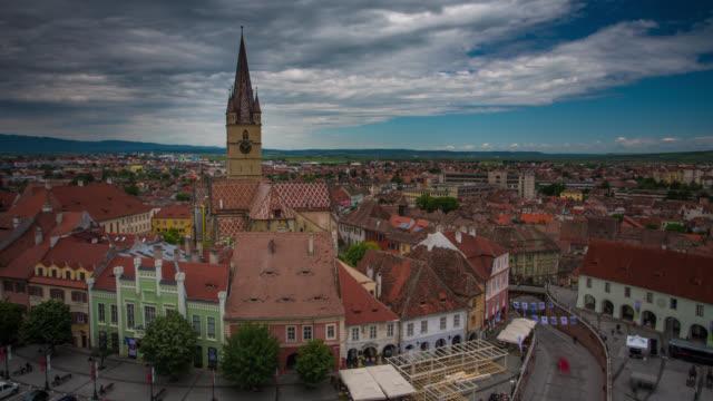 zeitraffer: sibiu, rumänien - siebenbürgen stock-videos und b-roll-filmmaterial