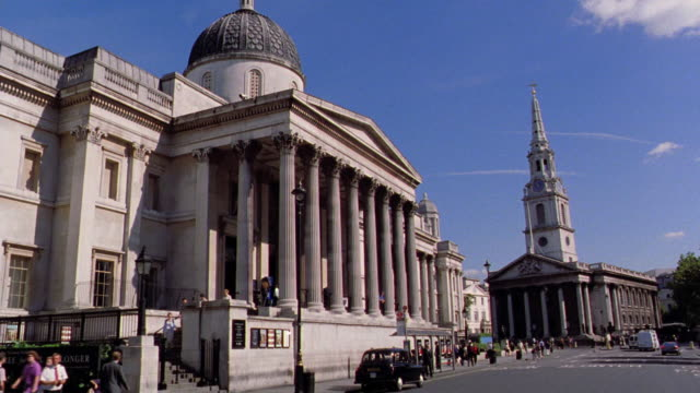 Side car point of view National Gallery + St. Martin-in-the-Fields (Royal Parish Church) in Traflagar Square