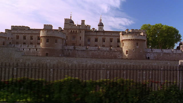 side car point of view tower of london / london, england - tower of london stock videos & royalty-free footage