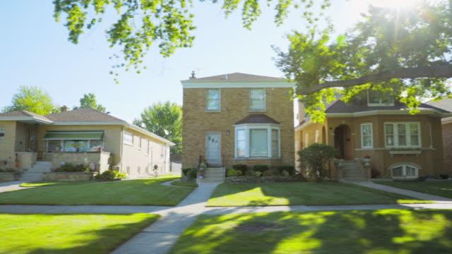 side pov suburban neighborhood homes - blickwinkel aufnahme stock-videos und b-roll-filmmaterial