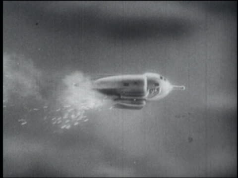 b/w 1940 side view tracking shot spaceship flying - space exploration stock videos & royalty-free footage