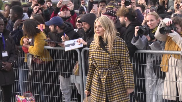 sienna miller attends the louis vuitton show as part of the paris fashion week womenswear fall/winter 2019/2020 on march 5 2019 in paris france - avvistamenti vip video stock e b–roll