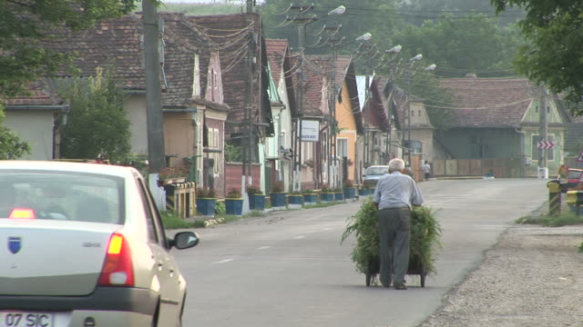 sighisoarapeople's life style in sighisoara romania - sighişoara video stock e b–roll