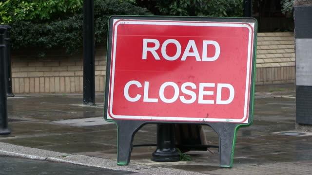 stockvideo's en b-roll-footage met ms sign board of  road closed / london, great britain   - bord weg afgesloten