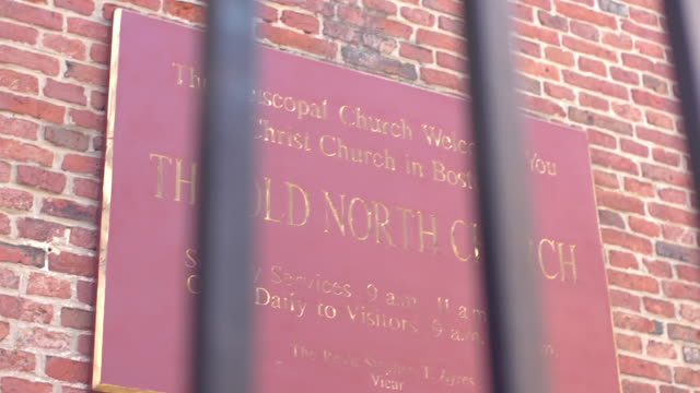 sign for old north church on red brick building - old north church stock videos & royalty-free footage