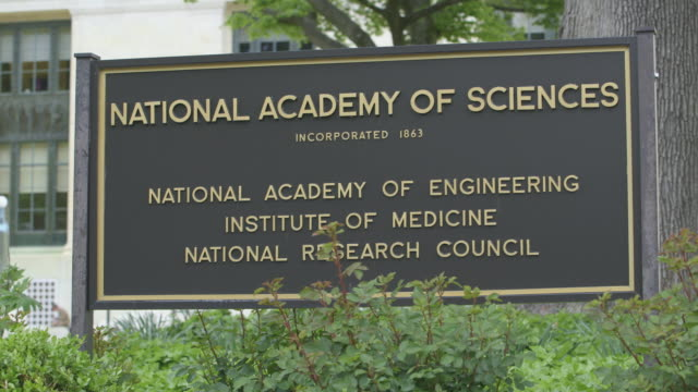 sign for the national academy of sciences, washington. - scienza video stock e b–roll
