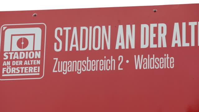 berlin germany november sign with the inscription stadion an der alten foersterei ahead of the bundesliga match between 1 fc union berlin and hertha... - sportliga stock-videos und b-roll-filmmaterial