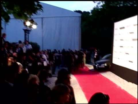 vídeos y material grabado en eventos de stock de signage and atmosphere at the amfar 'cinema against aids' gala presented by miramax films palisades pictures and quintessentially on may 19 2005 - miramax