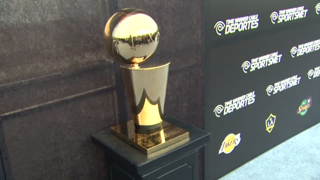 signage and trophy at time warner sports celebrates launch of time warner cable sportsnet and time warner cable deportes networks on 10/1/2012 in el... - el segundo stock-videos und b-roll-filmmaterial