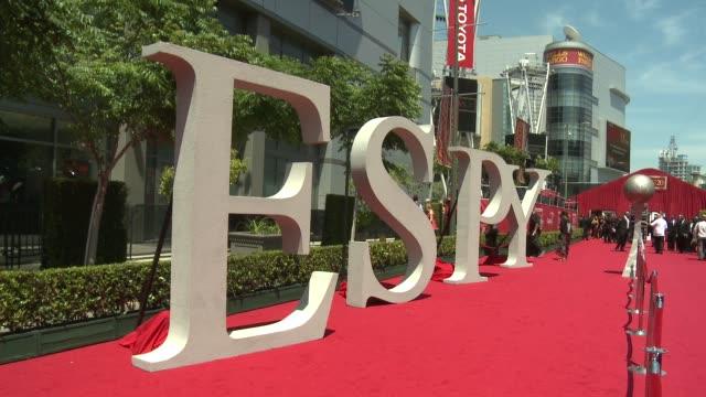 vidéos et rushes de signage at at 2012 espy awards on 7/11/2012 in los angeles, ca. - espy awards