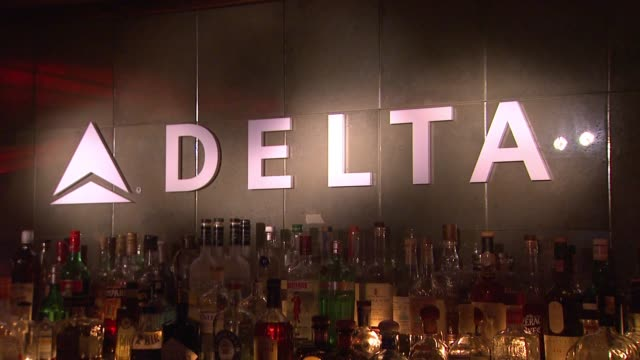 atmosphere signage at delta air lines kicks off grammy weekend with private performance by grammy nominated artist charli xcx and dj set by questlove... - delta air lines stock-videos und b-roll-filmmaterial