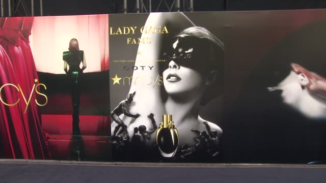 vídeos y material grabado en eventos de stock de signage at lady gagafame eau de parfumlaunch event at macy's herald square on september 14 2012 in new york new york - herald square