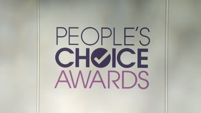 atmosphere – signage at the 2014 people's choice awards nominations announcement in beverly hills 11/05/13 - people's choice awards stock videos & royalty-free footage