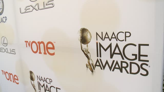 stockvideo's en b-roll-footage met atmosphere signage at the 46th annual naacp image awards arrivals at pasadena civic auditorium on february 06 2015 in pasadena california - pasadena civic auditorium