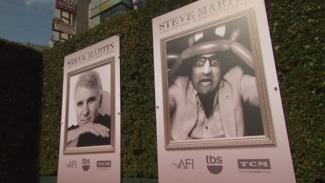 vídeos de stock, filmes e b-roll de atmosphere signage at the american film institute's 43rd life achievement award gala tribute to steve martin at dolby theatre on june 04 2015 in... - american film institute