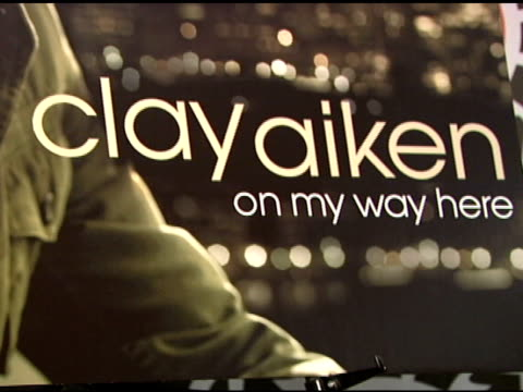 signage at the clay aiken signs copies of his new album 'on my way here' at virgin megastore in new york, new york on may 6, 2008. - virgin megastore点の映像素材/bロール