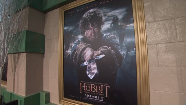 "signage at ""the hobbit: the battle of the five armies"" los angeles premiere at dolby theatre on december 09, 2014 in hollywood, california. - the hobbit: the battle of the five armies stock videos & royalty-free footage"