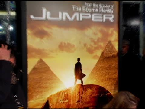 signage at the 'jumper' premiere at ziegfeld theatre in new york new york on february 11 2008 - ジャンパー点の映像素材/bロール