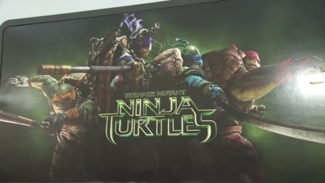 vídeos de stock e filmes b-roll de atmosphere signage at the teenage mutant ninja turtles los angeles premiere at regency village theatre on august 03 2014 in westwood california - regency village theater