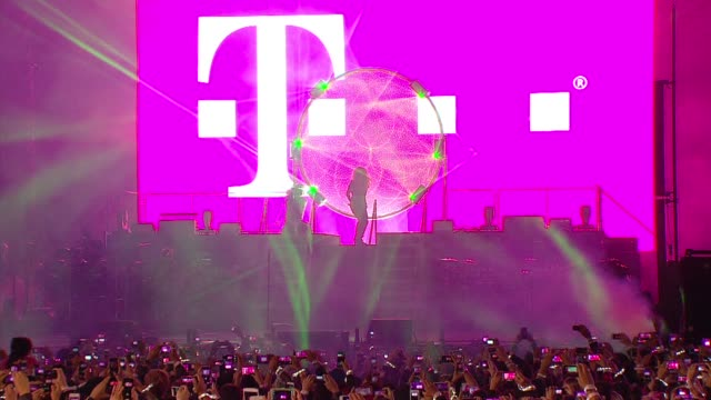 atmosphere signage at tmobile launches unlimited global data at special event featuring shakira in nyc's bryant park at bryant park on october 09... - shakira stock videos & royalty-free footage
