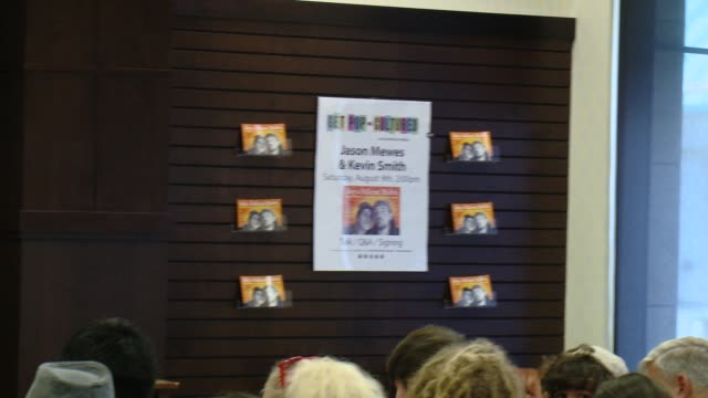 """signage, fans at kevin smith book signing for """"jay & silent bob's blueprints for destroying everything"""" at barnes & noble bookstore at the grove on... - the grove los angeles stock videos & royalty-free footage"""