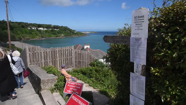 signage informing the public of the closure of pathways adjacent to the carbis bay hotel, host venue for the g7 summit conferences, in cornwall,... - bay of water stock videos & royalty-free footage