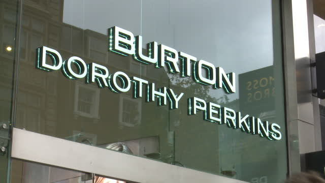 """signs for shops that are part of the arcadia group that is on the brink of collapse, burton, dorothy perkins, miss selfridge, top shop, wallis and... - """"bbc news"""" stock-videos und b-roll-filmmaterial"""