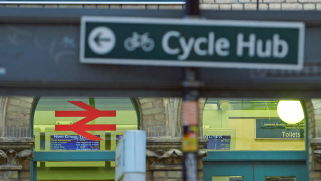 stockvideo's en b-roll-footage met ms r/f signs in railway station in peckham / london, england, united kingdom - peckham