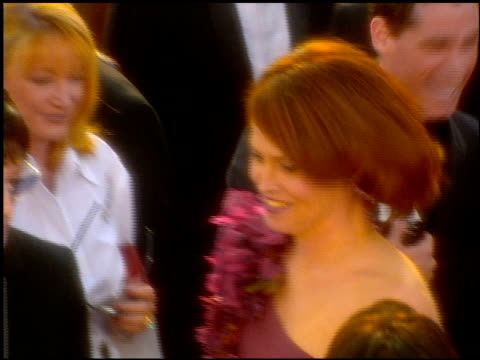 sigourney weaver at the 2001 academy awards at the shrine auditorium in los angeles, california on march 25, 2001. - 第73回アカデミー賞点の映像素材/bロール