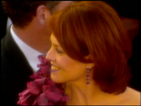 stockvideo's en b-roll-footage met sigourney weaver at the 2001 academy awards at the shrine auditorium in los angeles, california on march 25, 2001. - sigourney weaver