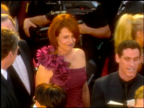 Sigourney Weaver at the 2001 Academy Awards at the Shrine Auditorium in Los Angeles California on March 25 2001
