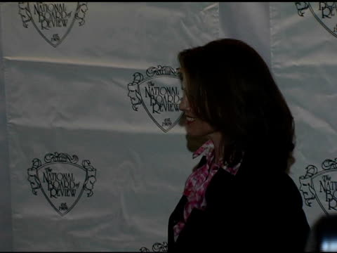 stockvideo's en b-roll-footage met sigourney weaver at the 2005 national board of review of motion pictures awards ceremony at tavern on the green in new york, new york on january 10,... - sigourney weaver