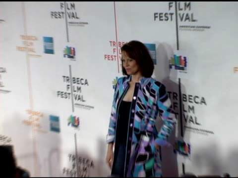 sigourney weaver at the 2006 tribeca film festival 'the tv set' premiere at tribeca performing arts center in new york new york on april 28 2006 - performing arts center stock videos & royalty-free footage