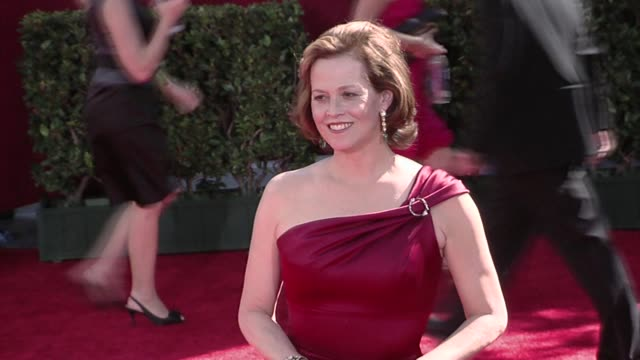 sigourney weaver at the 61st annual primetime emmy awards arrivals part 3 at los angeles ca - annual primetime emmy awards stock-videos und b-roll-filmmaterial