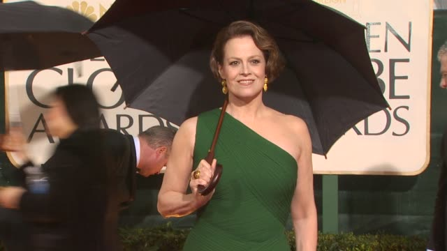 sigourney weaver at the 67th annual golden globe awards arrivals part 5 at beverly hills ca - ゴールデングローブ賞点の映像素材/bロール