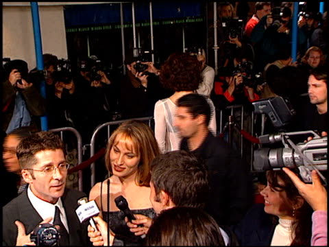 sigourney weaver at the 'alien resurrection' premiere on november 20, 1997. - ウエストウッドヴィレッジ点の映像素材/bロール