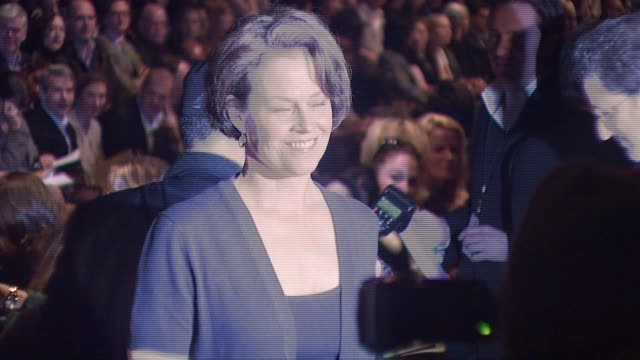 stockvideo's en b-roll-footage met sigourney weaver at the mercedes-benz fashion week fall 2008 michael kors runway show at bryant park in new york, new york on february 6, 2008. - sigourney weaver