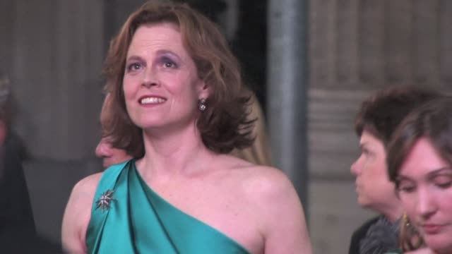 stockvideo's en b-roll-footage met sigourney weaver at the you again premiere in hollywood at the celebrity sightings in los angeles at los angeles ca. - sigourney weaver