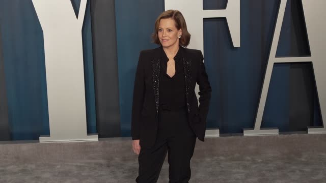 sigourney weaver at vanity fair oscar party at wallis annenberg center for the performing arts on february 09, 2020 in beverly hills, california. - vanity fair oscar party stock videos & royalty-free footage