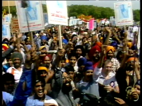vídeos de stock, filmes e b-roll de sikhs demonstrate for overthrow of indian prime minister indira gandhi london; jun 84 - prime minister