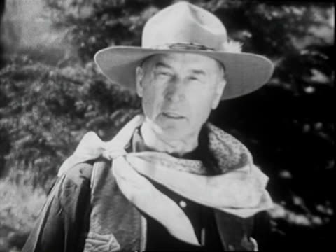 silent screen star william s hart continues talking to the camera while standing on dusty trail of horseshoe ranch william s hart on january 01 1939... - horseshoe stock videos and b-roll footage