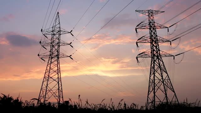 silhouette der high voltage elektrische pole-Struktur
