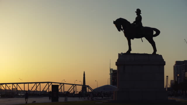 silhouette of king edward vii statue at sunset, liverpool - british culture stock videos & royalty-free footage