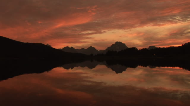 ws, zi, ms, silhouette of mountain range and snake river at sunset, grand teton national park, wyoming, usa - snake river stock videos and b-roll footage