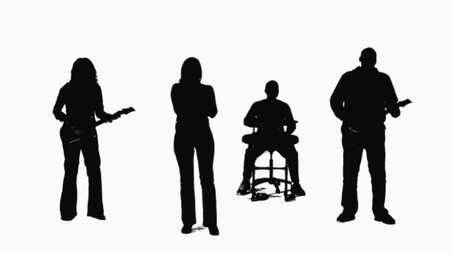 stockvideo's en b-roll-footage met cgi silhouette of pop rock band playing on white background - zanger