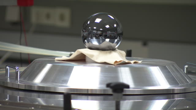 Silicon sphere - the roundest object on Earth