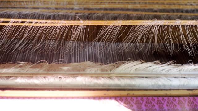 絹織機 - 製造工場点の映像素材/bロール