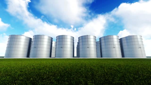 vídeos de stock, filmes e b-roll de silos e nuvens de lapso de tempo - cilindro veículo terrestre comercial